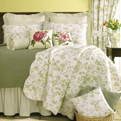 Brighton Green Toile Oversized Quilt