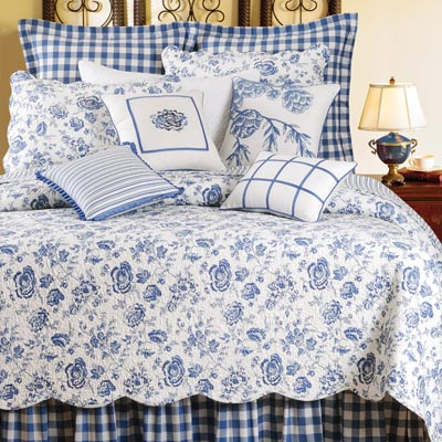 Devon Lake Standard Bedding Set