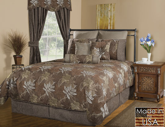Dresden Grand Suite Bedding Set